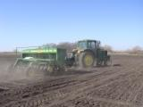 Seeding cover crops in organic farming systems